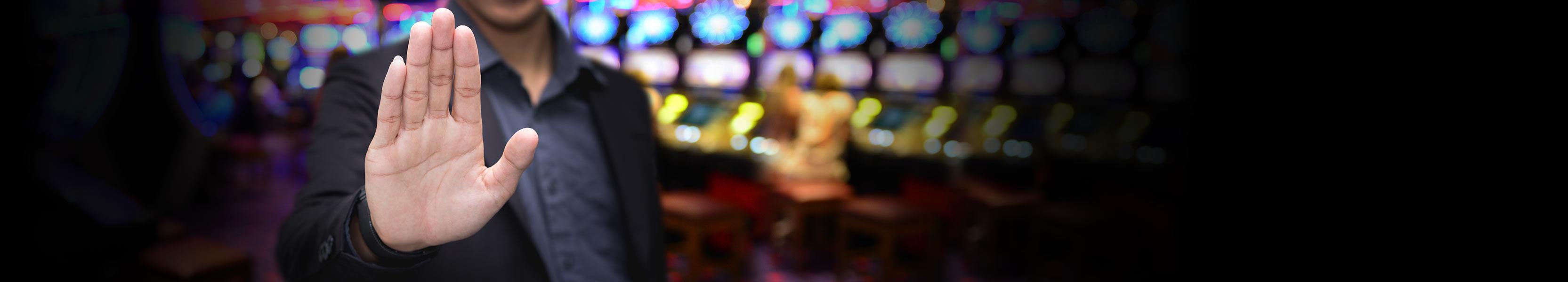 Zabetónuje prezident monopol na online automaty?